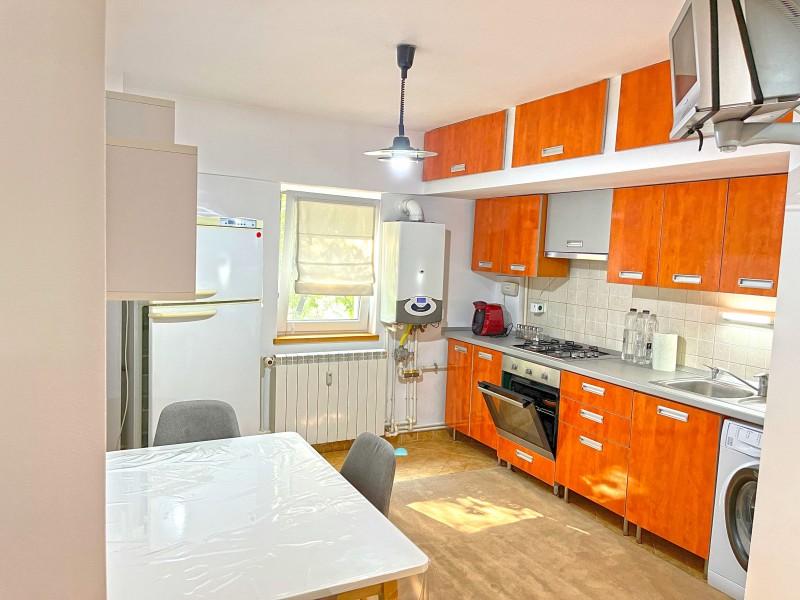 2 camere decomandate, centrala termica, Calea Bucuresti - ElectroputereMall, etaj1, modern, complet mobilat
