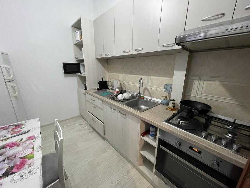 2 camere semidecomandate, Dealul Spiri, langa Fratii Buzesti, centrala termica, complet mobilat si utilat modern