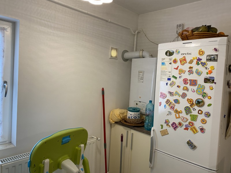2 camere semidecomandate Bd Oltenia , centrala termica, modern