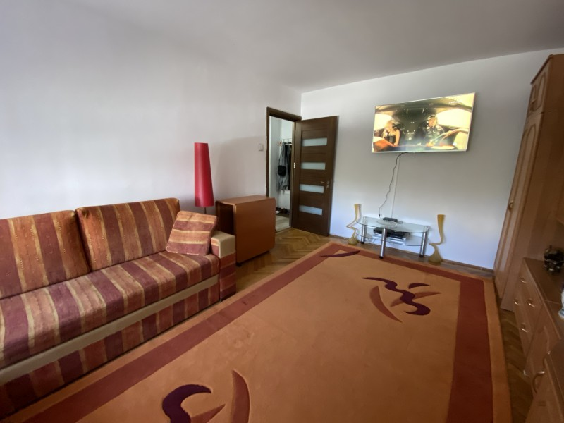 3 camere decomandate, 68mp, Strada Amaradia, Politia Pasapoarte Energetic