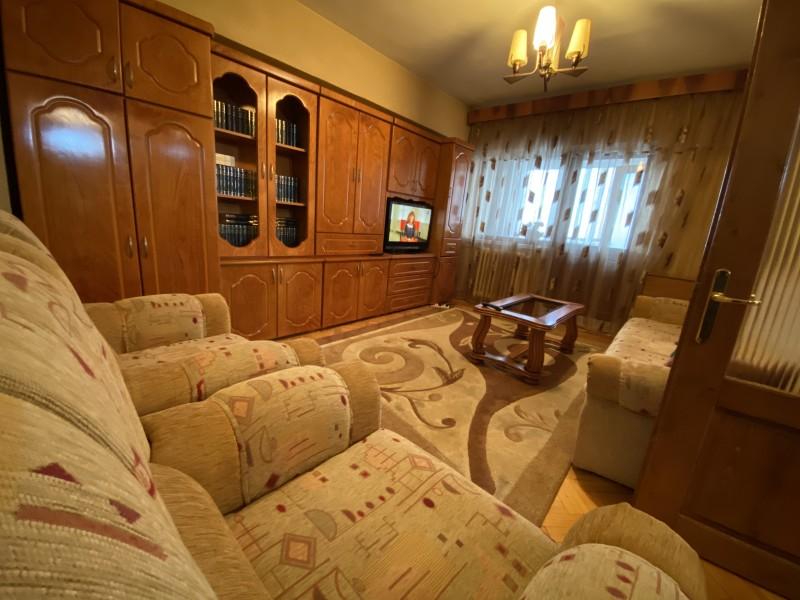 3 camere decomandate, 68mp utili, Brazda - La Roca, BRD, etaj2