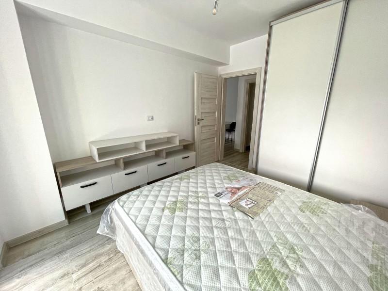 3 camere decomandate, foarte spatios,Ciuperca - Petrom, etaj 1/7, centrala termica, lux, prima inchiriere