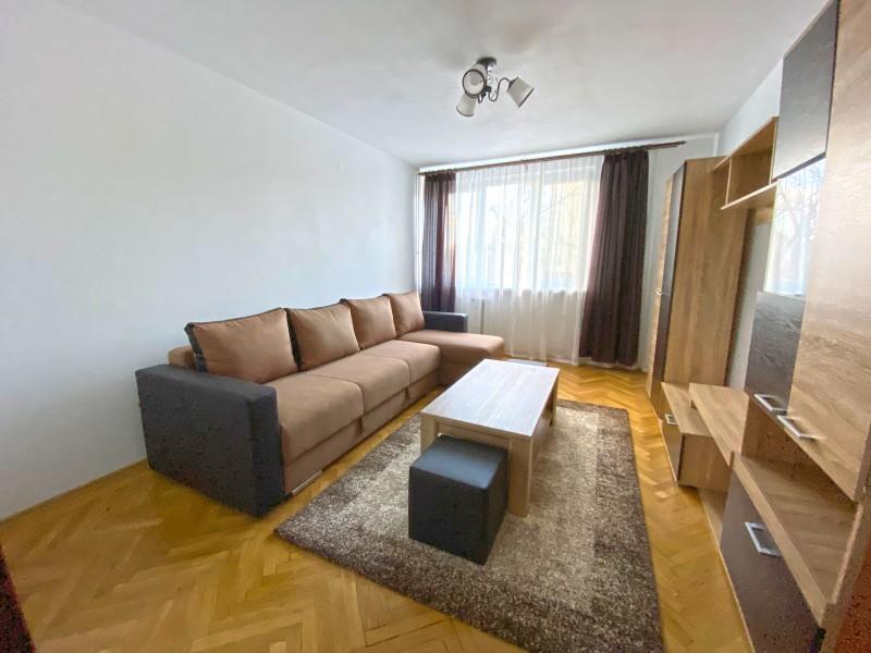 3 camere decomandate etaj3, modern si curat, Calea Bucuresti, Facultatea de Mecanica ( Facultatea de Drept)