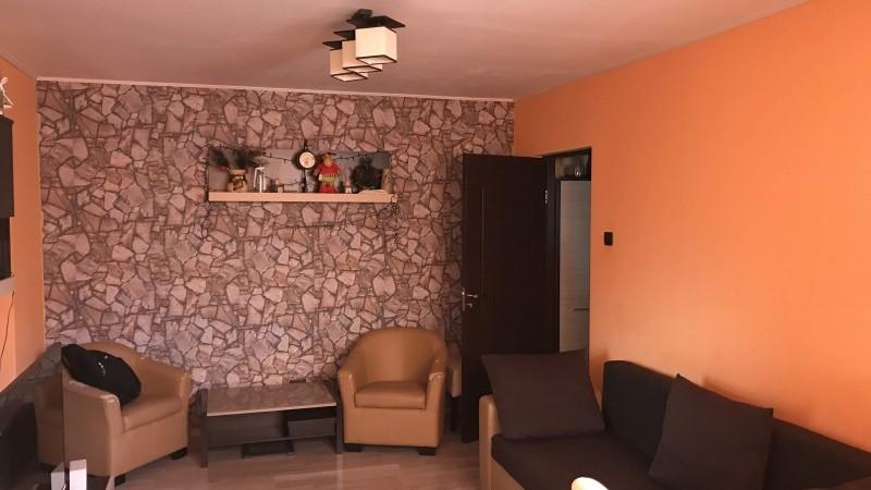 Apartament 3 camere Craiovita, etaj1, renovat
