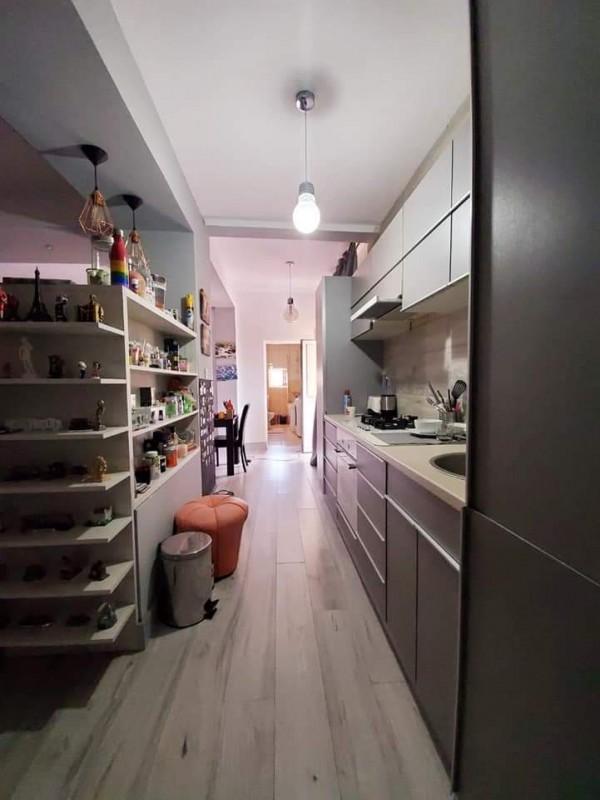 Apartament 3 camere foarte spatios cu scara interioara modern, centrala termica, curte privata pentru masina