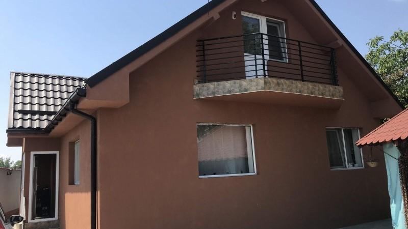 Casa Facai, moderna, centrala lemne