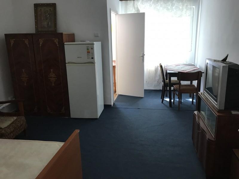 Garsoniera parter, Calea Bucuresti, Institut, semidecomandata