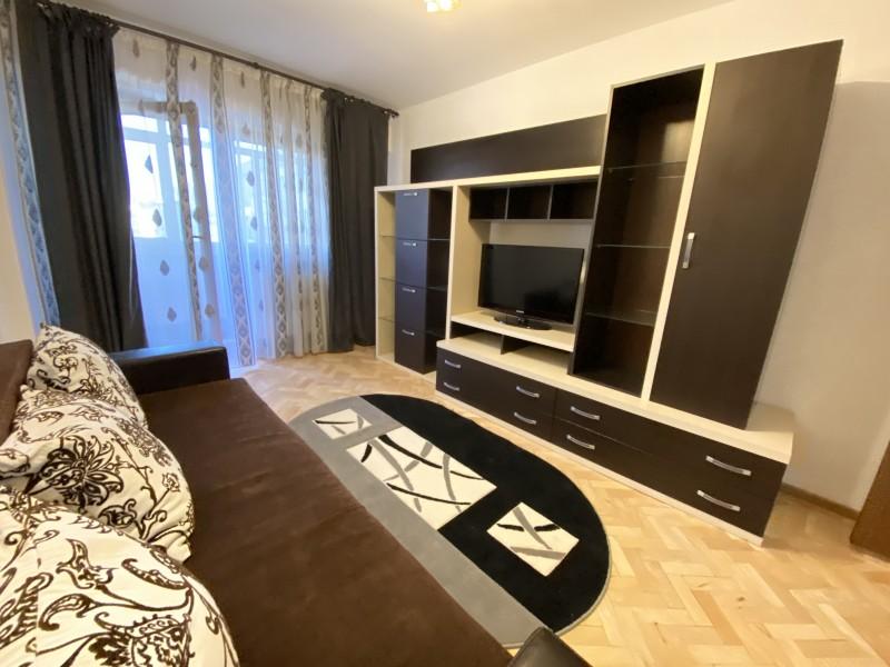 Inchiriere apartament 2 camere decomandat, mobilat, etaj 6/7, Calea Bucuresti, zona Piata Centrala