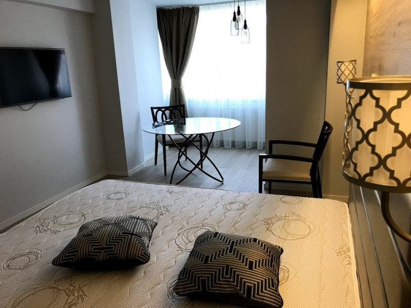 Inchiriere apartament 2 camere semidecomandat, etaj 4/8, an constructie 1980, Centru, zona Valea Vlaicii