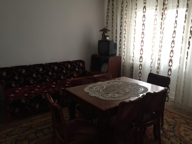 Inchiriere apartament 2 camere semidecomandat, mobilat, etaj 3/4, Rovine, zona IRUC