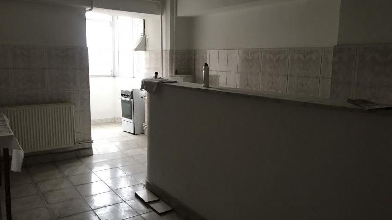 Inchiriere apartament 4 camere decomandat, mobilat, etaj 5/10, Rovine