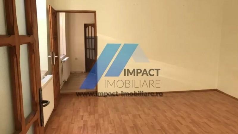Casa 100 mp, 3 camere, centrala, curata 300 euro