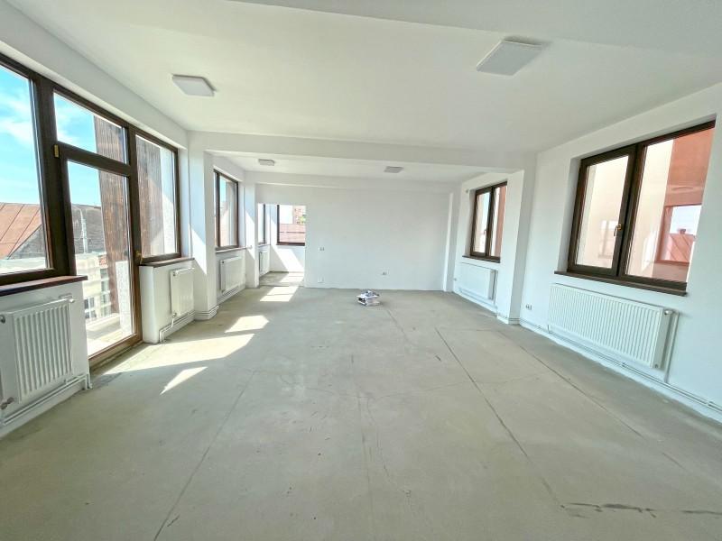 Spatiu comercial pretabil birouri, sala intruniri, activitati extrascolare, activiati recreative, cabinete medicale,stomatologie